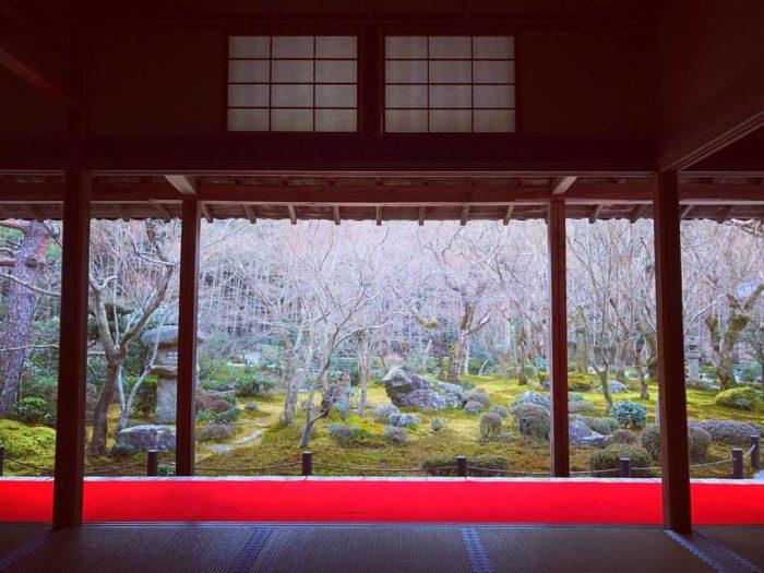 古くから日本の家屋はシンプルイスモアに貫かれている
