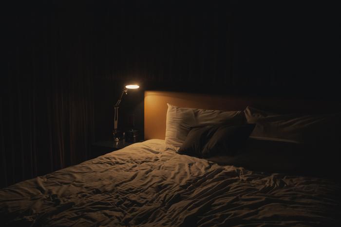 寝室をイメチェンするのはベッドですね