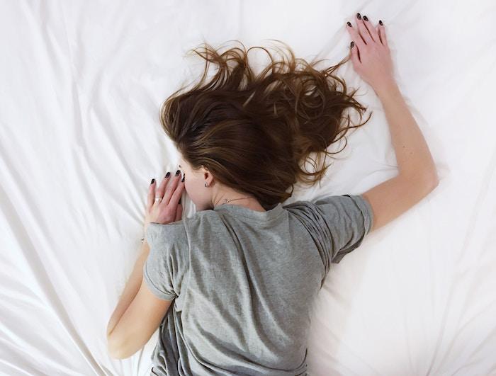 ベッドは自分ファーストで